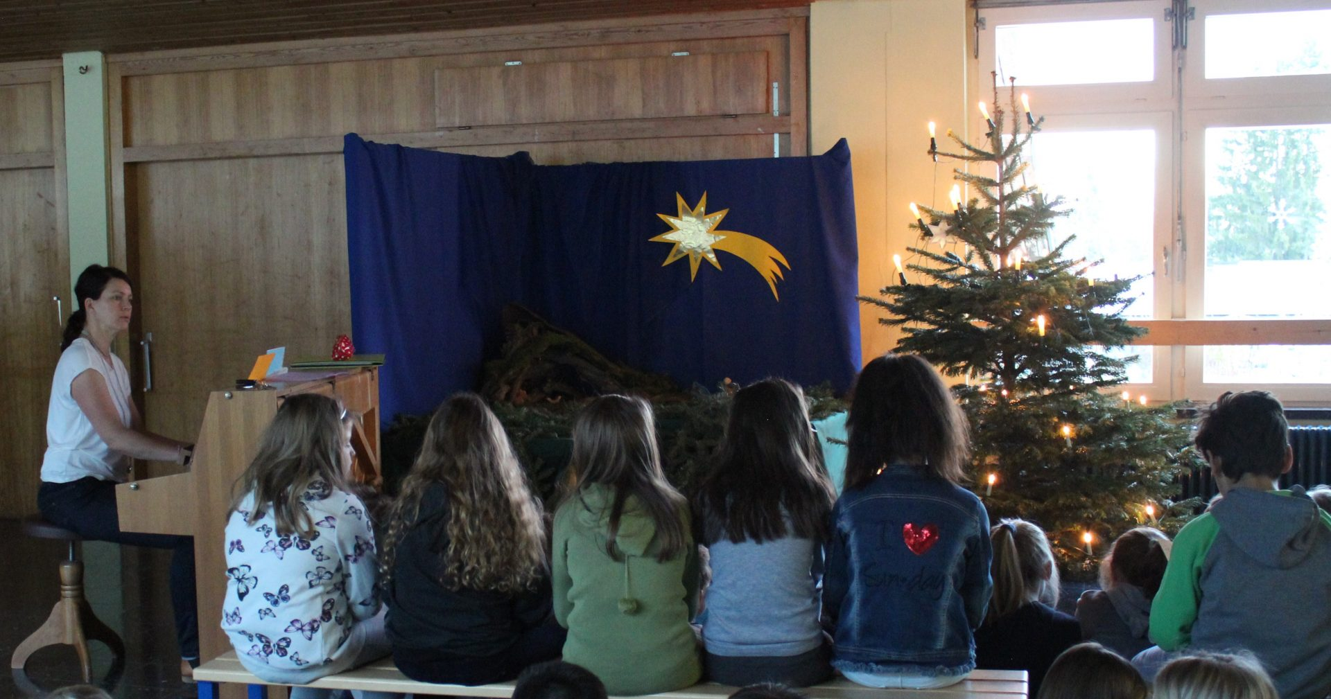Adventssingen am Tannenbaum