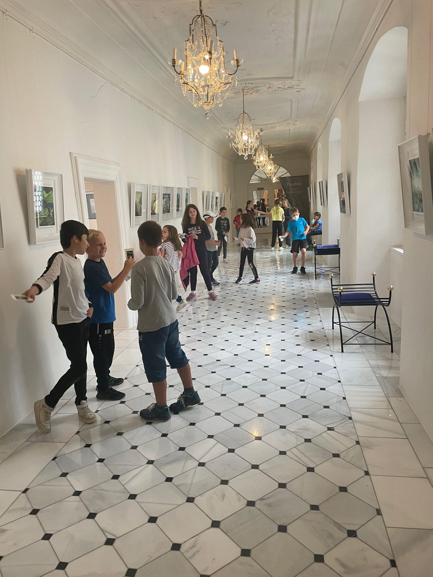 Klasse 3c besucht die Kunsthalle Isny